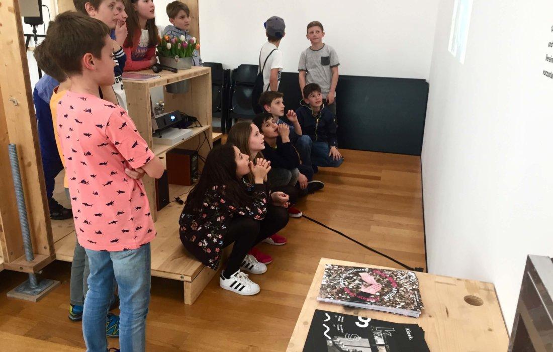SchülerInnen aus Balzers und Vaduz wirkten an dem Projekt mit.
